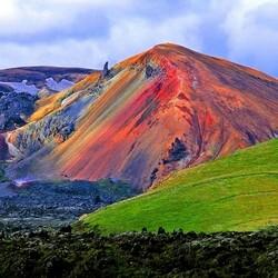Пазл онлайн: Разноцветные горы Исландии