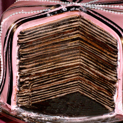Пазл онлайн: Тонко прослоенный торт