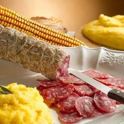 Пазл онлайн: Колбаса и мамалыга