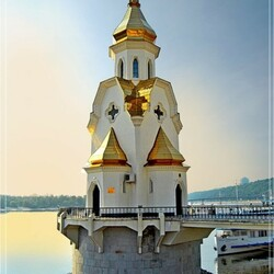 Пазл онлайн: Храм Николы на водах
