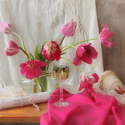 Пазл онлайн: Натюрморт c тюльпанами