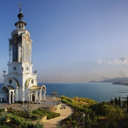 Пазл онлайн: Храм Святителя Николая в Малореченском