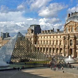 Пазл онлайн: Лувр