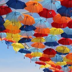 Пазл онлайн: Красочные зонтики