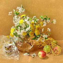 Пазл онлайн: Цветы и яблоки