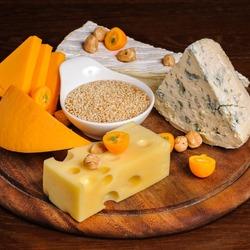 Пазл онлайн: Сыр и орехи
