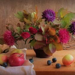 Пазл онлайн: Астры и фрукты