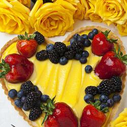 Пазл онлайн: Праздничный десерт