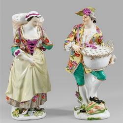 Пазл онлайн: Фарфоровые статуэтки