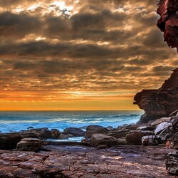 Пазл онлайн: Скалы у моря