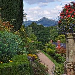 Пазл онлайн: Англия. Сад замка Поуис (Powis Castle Gardens)