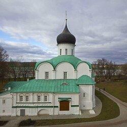 Пазл онлайн: Троицкий собор