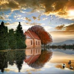 Пазл онлайн: Дом  посреди озера