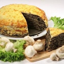 Пазл онлайн: Блинный торт с грибами