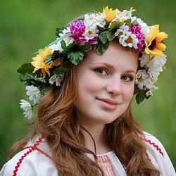Пазл онлайн: Девушка в венке