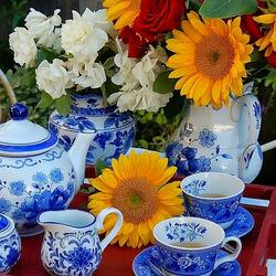 Пазл онлайн: Чаепитие в летнем саду