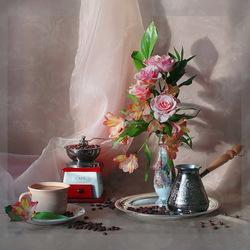 Пазл онлайн: Розы и кофе