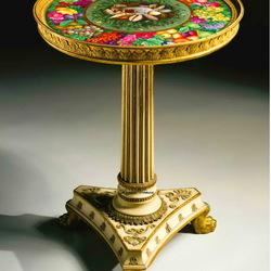 Пазл онлайн: Антикварный столик с росписью на фарфоре