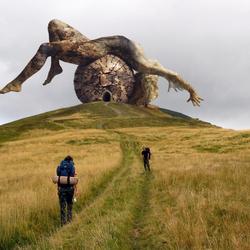 Пазл онлайн: Необычный памятник