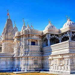 Пазл онлайн: Храм индуизма Шри Сваминараян Мандир