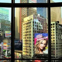 Пазл онлайн: Таймс-сквер в моем окне