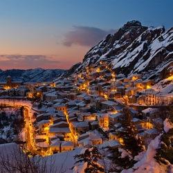 Пазл онлайн: Деревня Пьетрапертоса