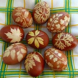 Пазл онлайн: Красим яйца
