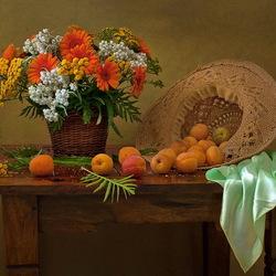 Пазл онлайн: Цветы и абрикосы