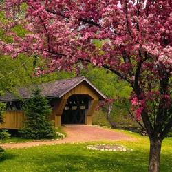 Пазл онлайн: Весенний сезон