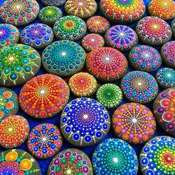 Пазл онлайн: Мандалы на камнях