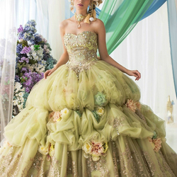 Пазл онлайн: Свадебное платье