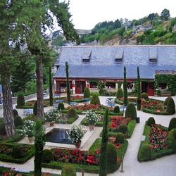 Пазл онлайн: Внутренний двор замка Кло-Люсе