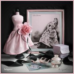 Пазл онлайн: Роза,жемчуг и парфюм