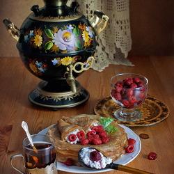 Пазл онлайн: Чаепитие с блинами