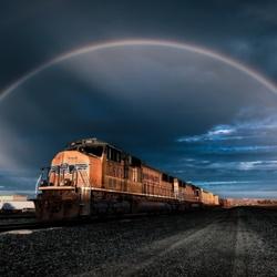 Пазл онлайн: Поезд мчится