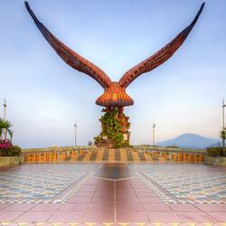 Пазл онлайн: Площадь орла