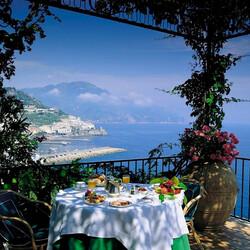 Пазл онлайн: Завтрак в раю. Италия