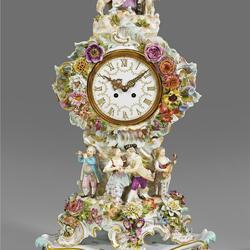 Пазл онлайн: Фарфоровые часы