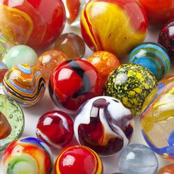 Пазл онлайн: Стеклянные шарики