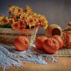 Пазл онлайн: Натюрморт с хризантемами и мандаринами