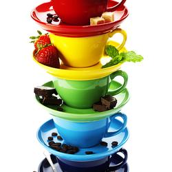 Пазл онлайн: Кофе в ярких чашках
