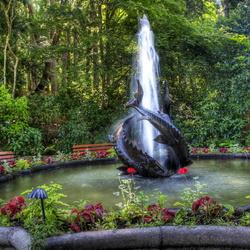 Пазл онлайн: Осетровый фонтан