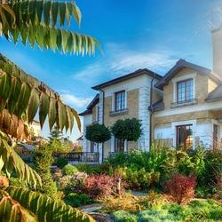 Пазл онлайн: Дом в саду