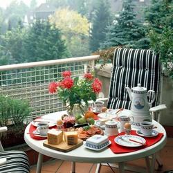 Пазл онлайн: Утро на балконе