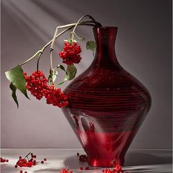 Пазл онлайн: Красная ваза