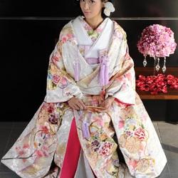 Пазл онлайн: Свадебное кимоно