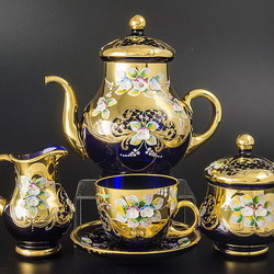 Пазл онлайн: Посуда из Богемского стекла