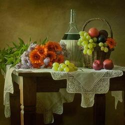 Пазл онлайн: Цветы, вино и фрукты