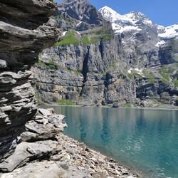 Пазл онлайн: Горное озеро в Швейцарии