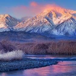 Пазл онлайн: Сиреневые горы